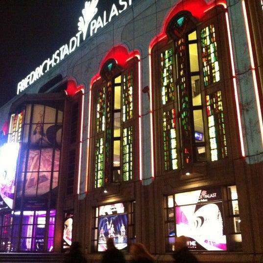 Das Foto wurde bei Friedrichstadt-Palast von Kirsten L. am 11/20/2012 aufgenommen