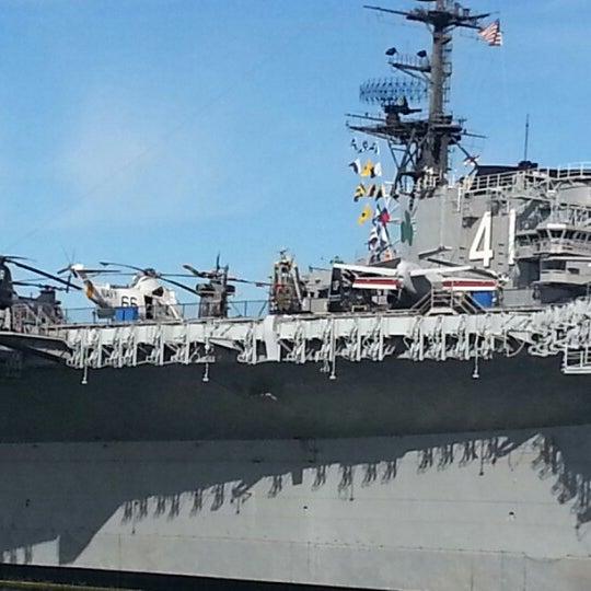 Foto tomada en USS Midway Museum por Bob H. el 2/3/2013