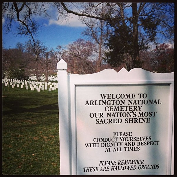 Photo prise au Arlington National Cemetery par Narciso A. le3/22/2013