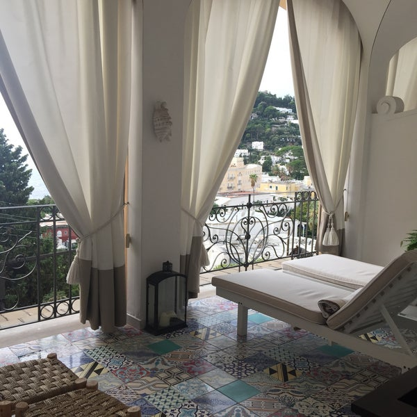 Photo prise au Capri Tiberio Palace par Matty V. le10/1/2015