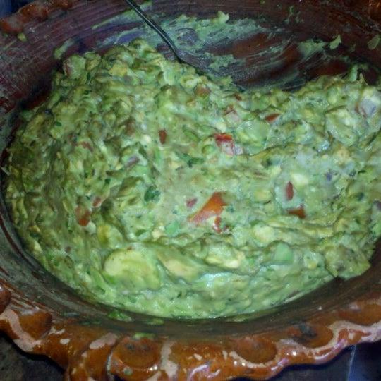 รูปภาพถ่ายที่ Tacos Gus โดย Lindoro C. เมื่อ 12/5/2012