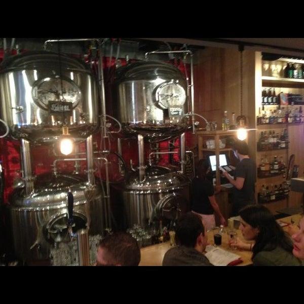 6/28/2013에 Ashley G.님이 DryHop Brewers에서 찍은 사진