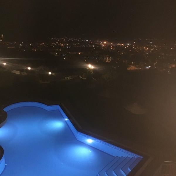 Photo prise au Sundial Otel, Bar & Restaurant par Gürcan E. le5/26/2019