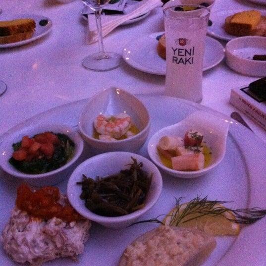 Foto tomada en Trilye Restaurant por Ebru Ç. el 3/10/2013