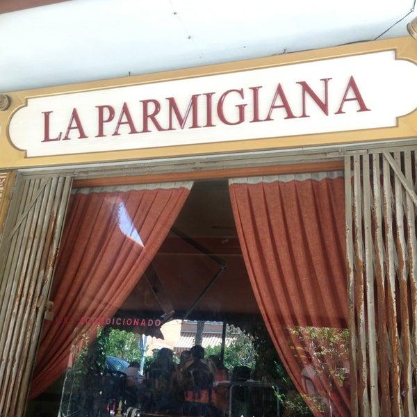 รูปภาพถ่ายที่ La Parmigiana โดย Ezequiel S. เมื่อ 6/16/2013
