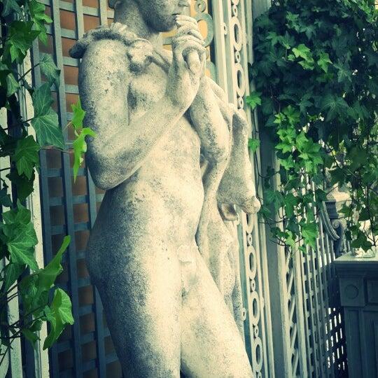 6/9/2013 tarihinde Yulia K.ziyaretçi tarafından Turandot'de çekilen fotoğraf