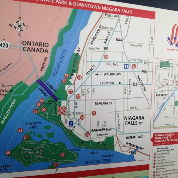 4/16/2013 tarihinde Somrudee P.ziyaretçi tarafından Niagara Falls USA Official Visitor Center'de çekilen fotoğraf