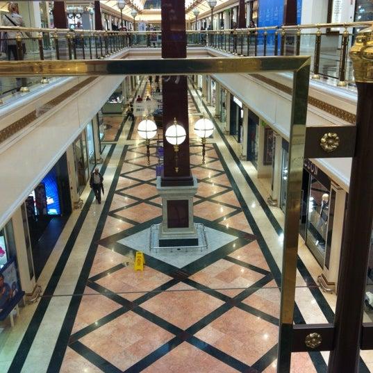 Foto tomada en Centro Comercial Gran Vía 2 por Kristóf S. el 10/19/2012