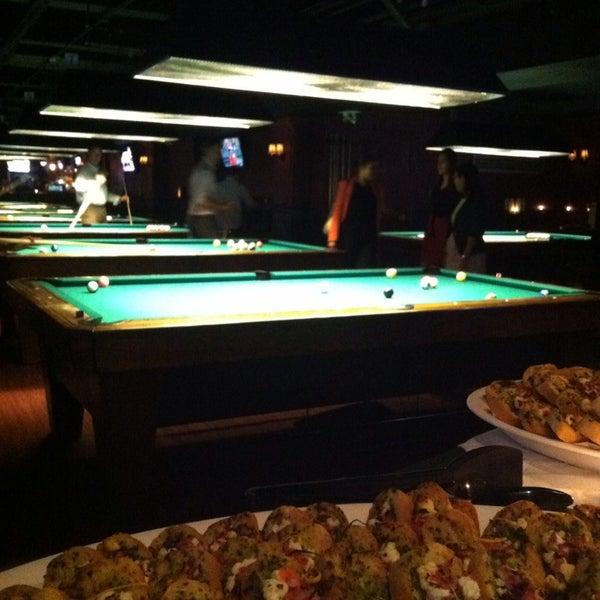 Foto tomada en Society Billiards + Bar por eJNA el 8/15/2013