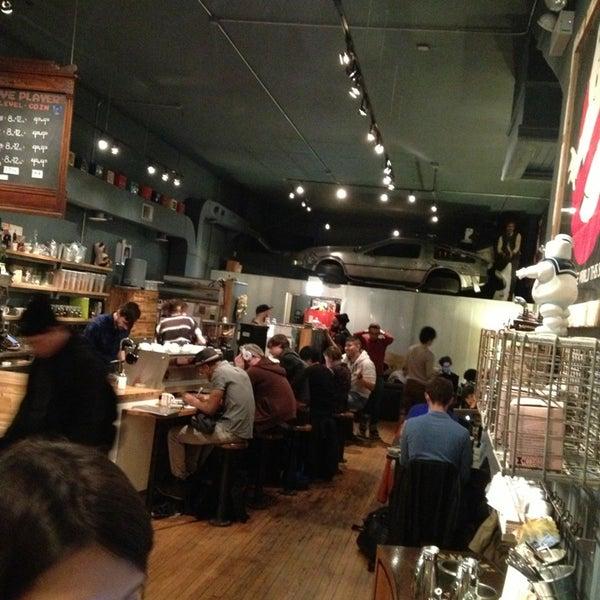 3/31/2013에 Aleshia W.님이 The Wormhole Coffee에서 찍은 사진