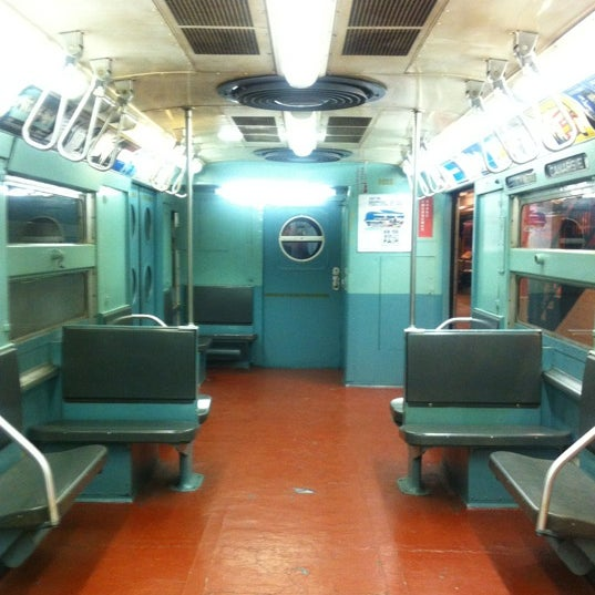 Foto diambil di New York Transit Museum oleh Karen pada 1/28/2013