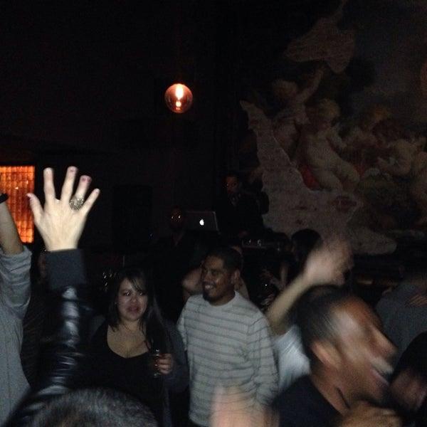 1/5/2014에 Deon G.님이 Salvage Bar & Lounge에서 찍은 사진