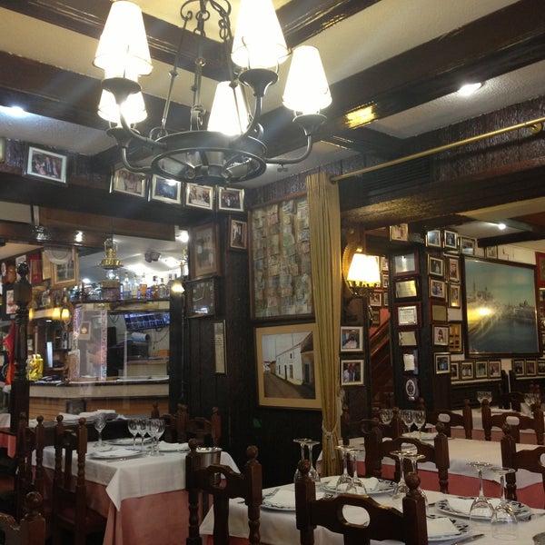 Das Foto wurde bei Restaurante Salamanca von Татьяна Л. am 4/25/2013 aufgenommen