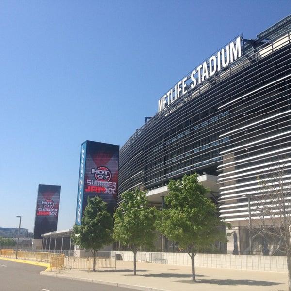 รูปภาพถ่ายที่ MetLife Stadium โดย destroy r. เมื่อ 6/1/2013