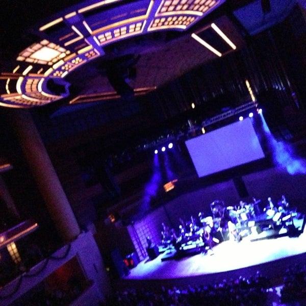 Foto tirada no(a) Morton H. Meyerson Symphony Center por Brad M. em 12/29/2012