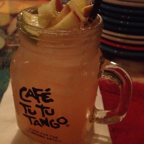Foto diambil di Café Tu Tu Tango oleh Gregg B. pada 9/6/2013