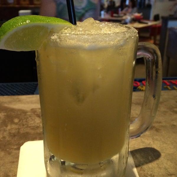 Снимок сделан в El Real Tex-Mex Cafe пользователем Rachel H. 7/7/2014
