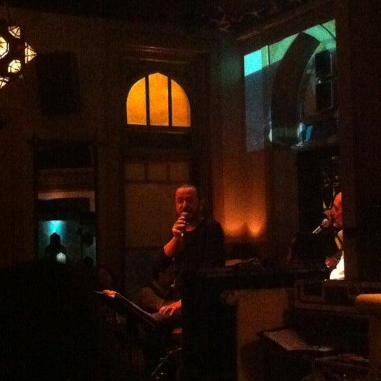 รูปภาพถ่ายที่ Zihni Bar โดย ULAŞ . เมื่อ 11/9/2012