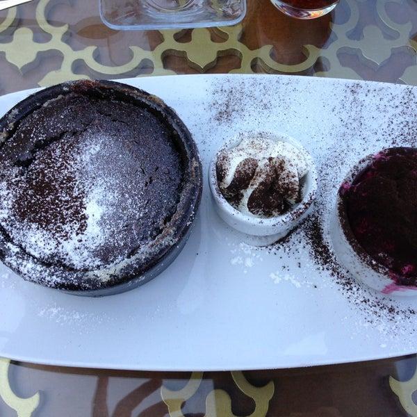 Foto tomada en Taş Kahve Cafe & Restaurant por Aslı el 6/17/2013