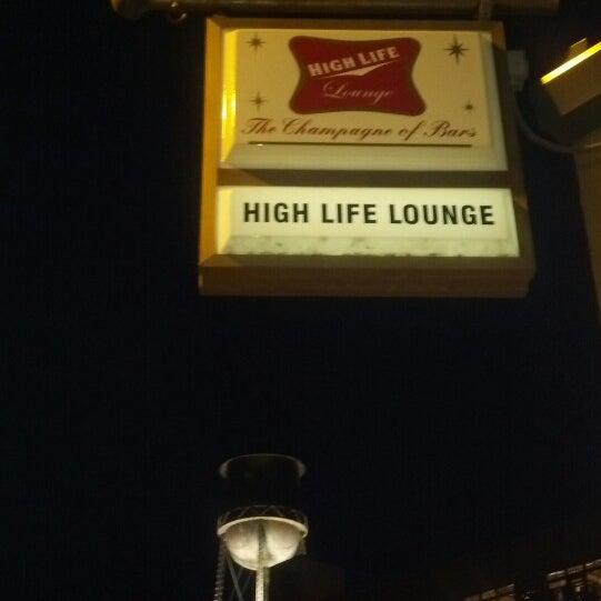 7/25/2013にJustin H.がHigh Life Loungeで撮った写真