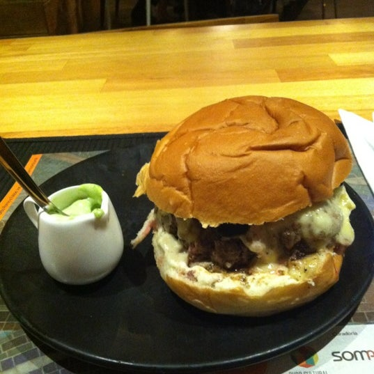 Foto tomada en Ledz Diner & Bistrô por Hernani C. el 9/16/2012