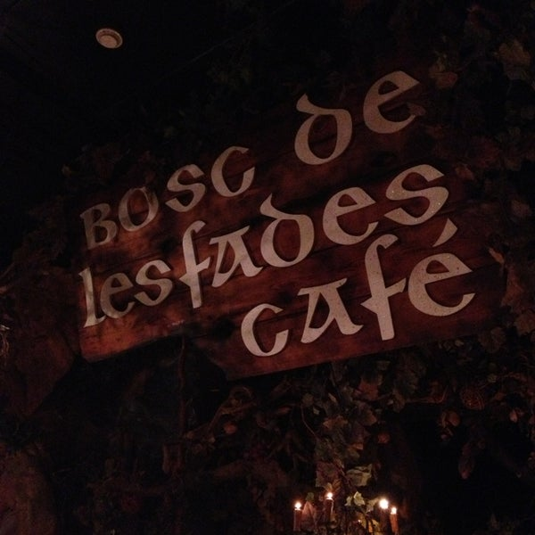 รูปภาพถ่ายที่ El Bosc de les Fades โดย Mickey G. เมื่อ 4/7/2013