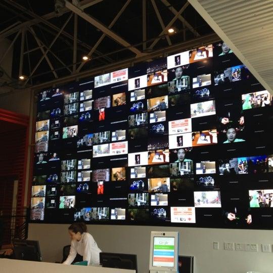 Снимок сделан в YouTube Space LA пользователем Sean M. 11/29/2012
