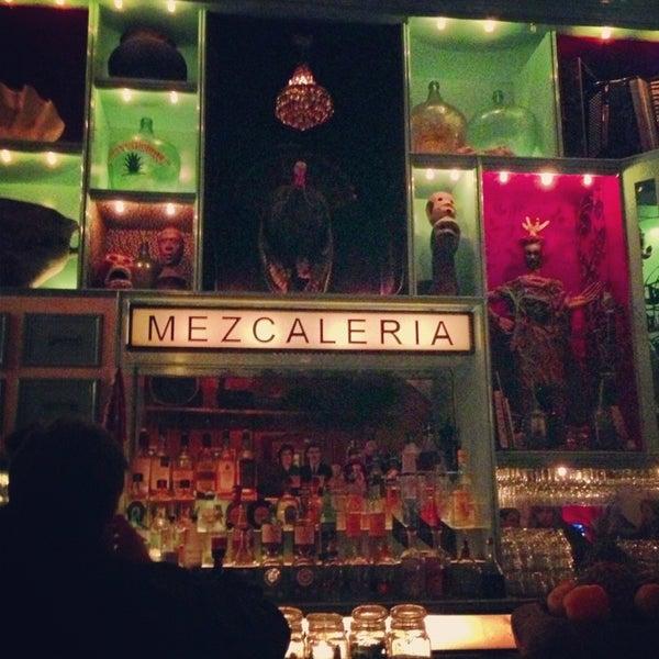 Foto tomada en Casa Mezcal por Pia F. el 1/30/2013