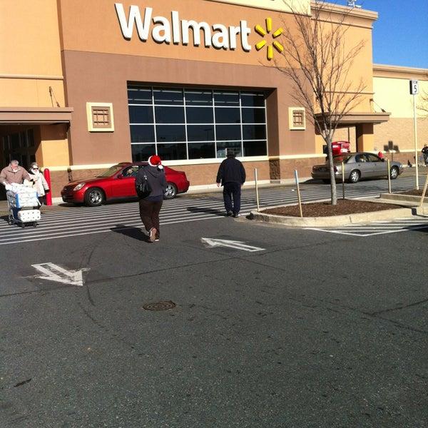 12/23/2012 tarihinde Ashley M.ziyaretçi tarafından Walmart'de çekilen fotoğraf