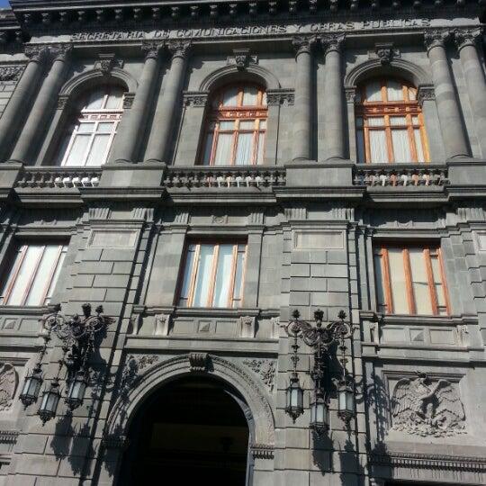 1/24/2013 tarihinde Ernesto O.ziyaretçi tarafından Museo Nacional de Arte (MUNAL)'de çekilen fotoğraf