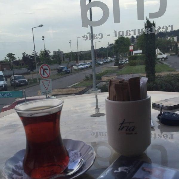 Foto tomada en Tria Restaurant Cafe por SAVAŞ K. el 6/14/2016