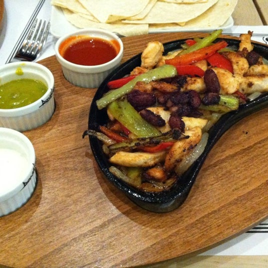 Foto tomada en Del Moon Coffee & Food & Hookah por MELEK E. el 11/30/2012
