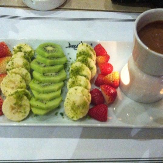 Foto tomada en Del Moon Coffee & Food & Hookah por MELEK E. el 11/28/2012