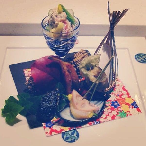 Photo prise au Sushi Zen par Apoorv M. le12/28/2012