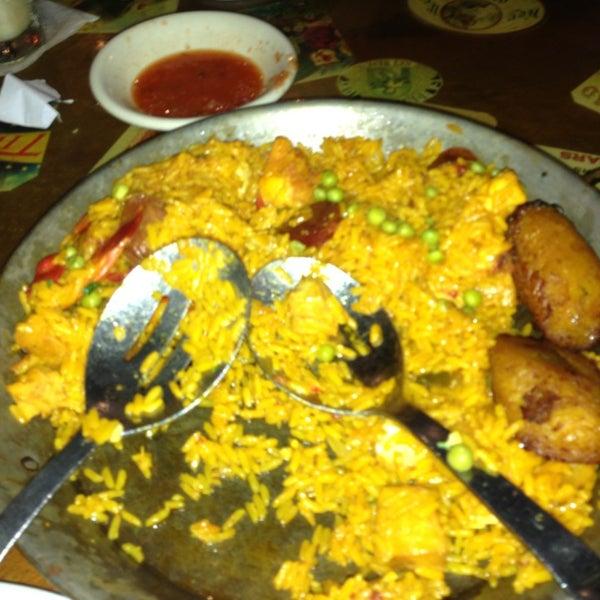 Foto diambil di El Meson de Pepe Restaurant & Bar oleh Christopher B. pada 9/9/2013