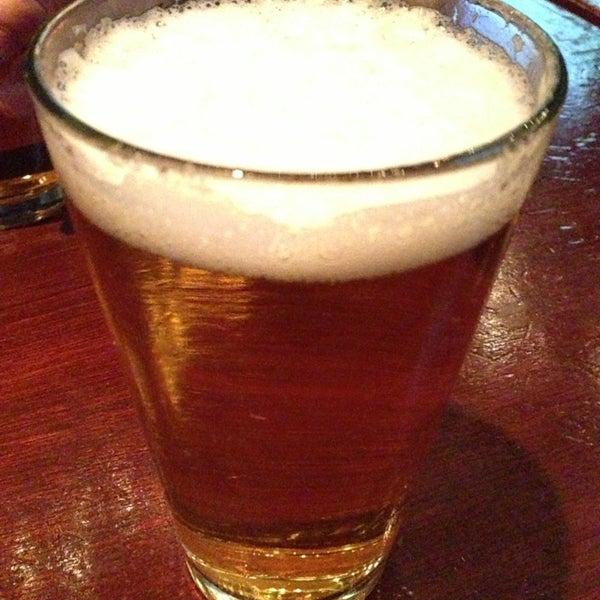 Foto tomada en Playwright Celtic Pub por Lomo R. el 12/23/2012