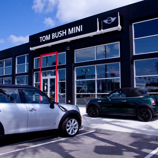 Photo taken at Tom Bush MINI by Tom Bush Family of Dealerships on 7/24