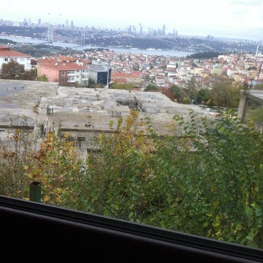 Foto scattata a Desde Cafe & Restaurant da Sema K. il 11/23/2012