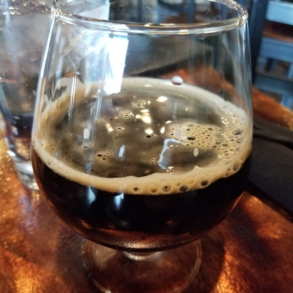 Das Foto wurde bei Black Bottle Brewery von Ethan D. am 11/16/2019 aufgenommen