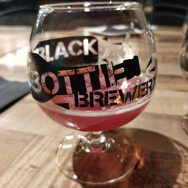 8/30/2020에 Ethan D.님이 Black Bottle Brewery에서 찍은 사진