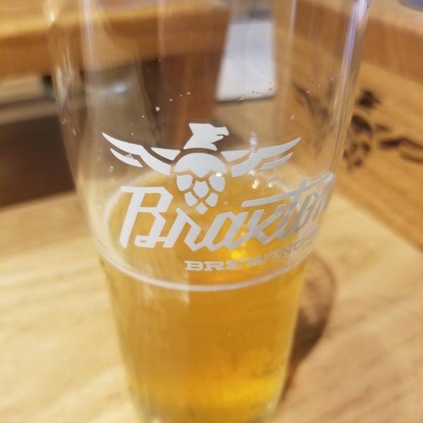 Photo prise au Braxton Brewing Company par Ethan D. le1/18/2020