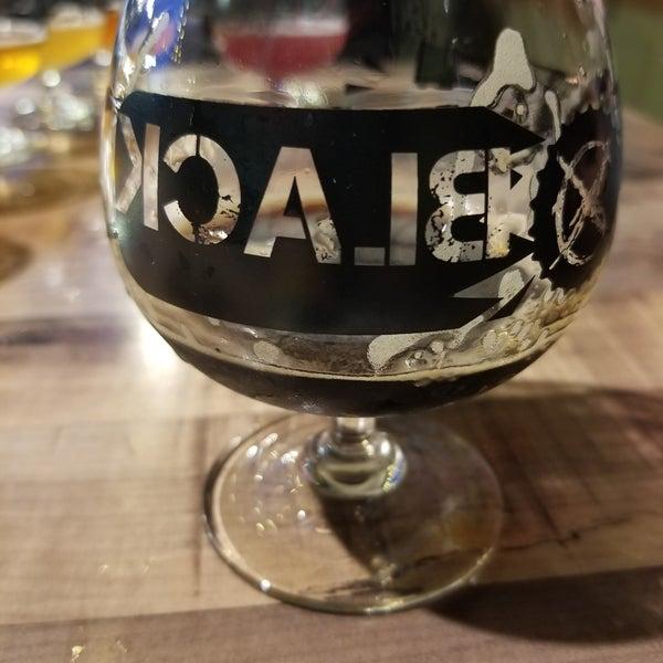 Das Foto wurde bei Black Bottle Brewery von Ethan D. am 8/30/2020 aufgenommen