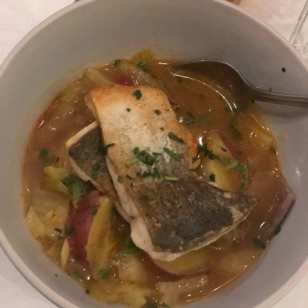 11/8/2019 tarihinde Jason D.ziyaretçi tarafından Los Olivos Wine Merchant Cafe'de çekilen fotoğraf