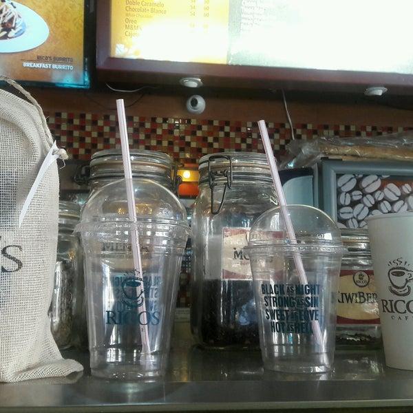 Foto tomada en Rico's Café Zona Dorada por Maribel C. el 1/1/2017