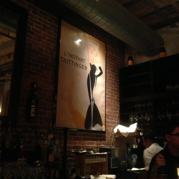 4/3/2013にAlipio H.がLes Zygomates Wine Bar Bistroで撮った写真