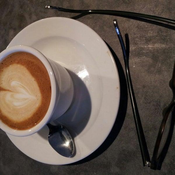 Das Foto wurde bei Coffee Foundry von Arnaldo J. L. am 3/16/2013 aufgenommen