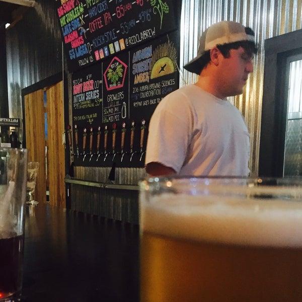Das Foto wurde bei Red Clay Brewing Company von Jerry K. am 6/9/2016 aufgenommen