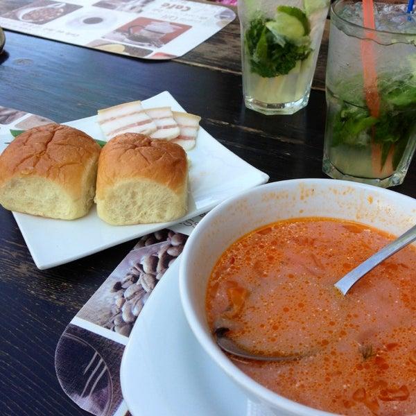 รูปภาพถ่ายที่ Café Bon Apрétit โดย Дроздова А. เมื่อ 8/6/2013