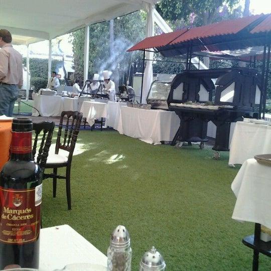 รูปภาพถ่ายที่ Hacienda de Los Morales โดย Dorian P. เมื่อ 12/9/2012