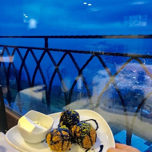 Das Foto wurde bei Tepe Restaurant von Asel🐝 Ş. am 1/6/2020 aufgenommen